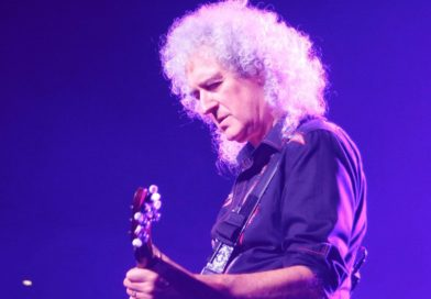 19 Brian May Quotes to Inspire Your Guitar Playing Journey